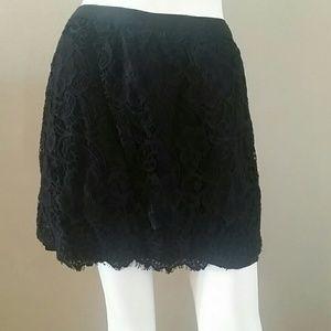 Lauren Conrad black lace like overlay skirt zip 10